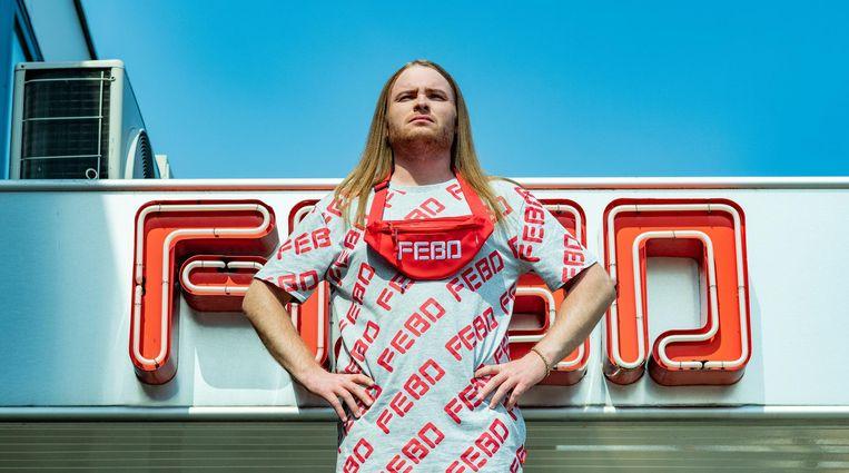 Rapper Donnie, tevens groot Febofan, is het gezicht van de kledinglijn Beeld FEBO
