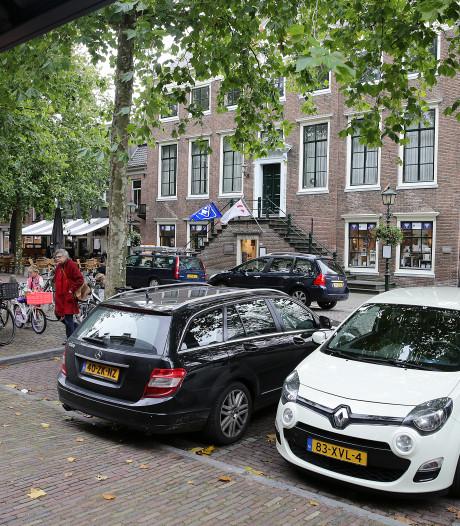 Extra parkeerplaatsen op Walplantsoen, nu de Markt in Wijk bij Duurstede autoluw wordt