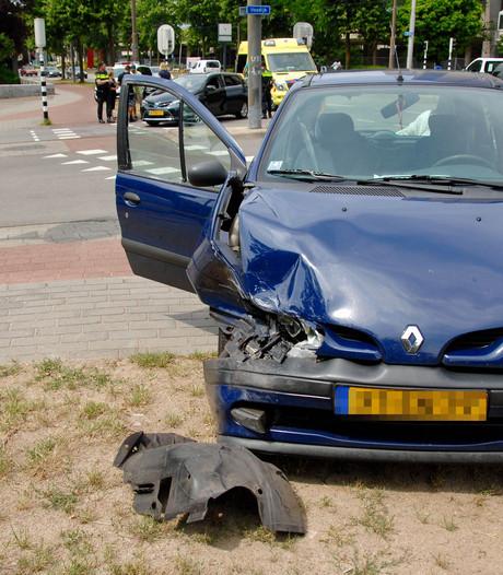 Auto total loss door botsing in Arnhem