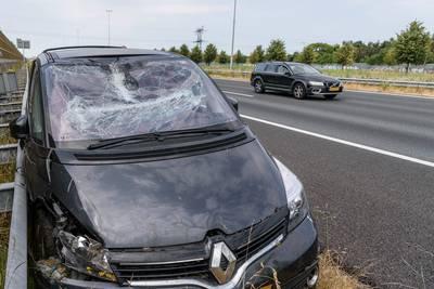 Twee personen gewond door ongeluk op de A16 bij Prinsenbeek