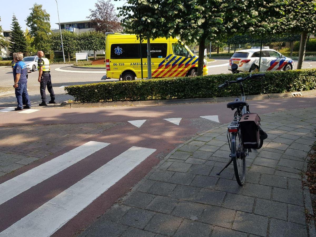 De hulpdiensten ter plaatse na het ongeluk op Richterslaan in Lichtenvoorde.
