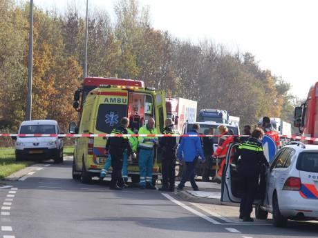 Zwaargewonde na aanrijding, getuige haalt vluchtende automobilist in