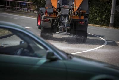 strooiwagens-in-grote-delen-van-land-weg-op-vanwege-voorspelde-gladheid