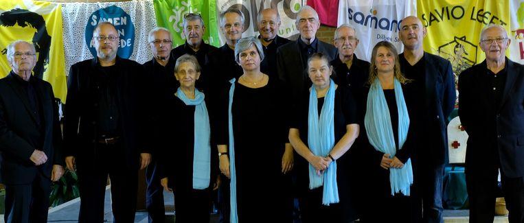 Het Gregoriaans koor Schola Gregoriana Sainnensis onder leiding van Joachim Kelecom brengt aangepaste muziek.