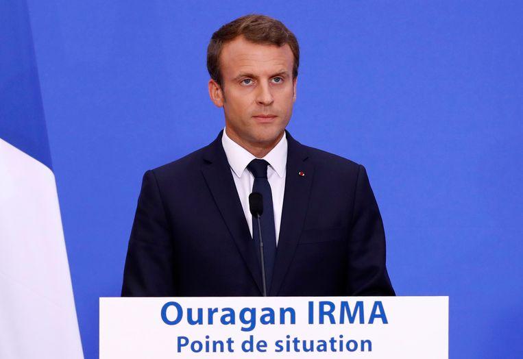 Macron hield vanavond in Parijs een crisisbijeenkomst over orkaan Irma.
