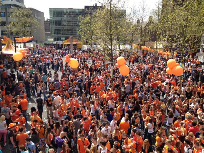 Koninginnedag op het Stratumseind in Eindhoven.