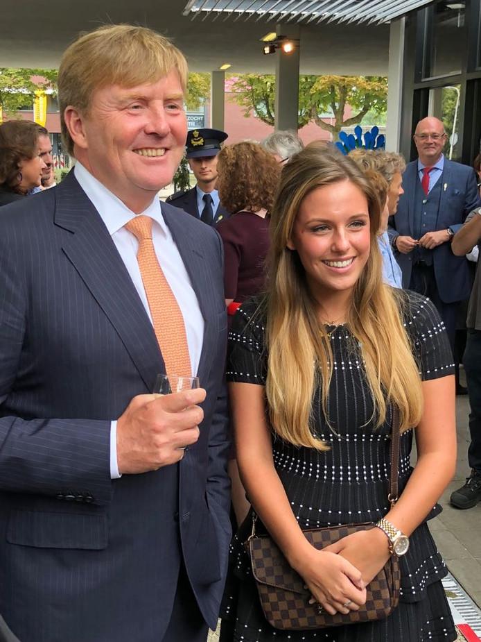 Sanne van Overdijk geportretteerd met koning Willem-Alexander.