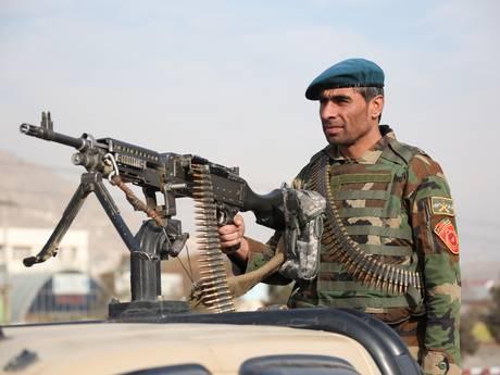 Gewapende mannen vallen hotel Kabul aan