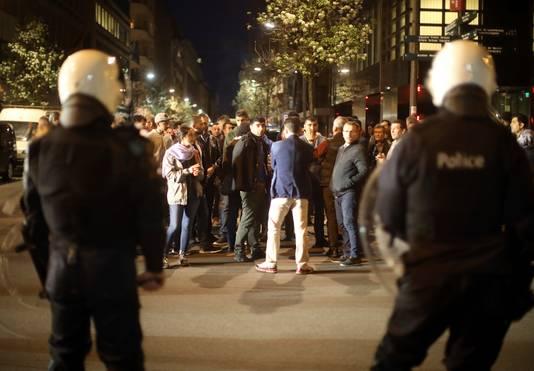 Patrouille van de Belgische politie na het conflict bij de Turkse ambassade