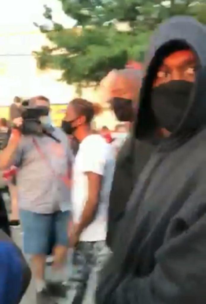 Kanye West a manifesté à Chicago.