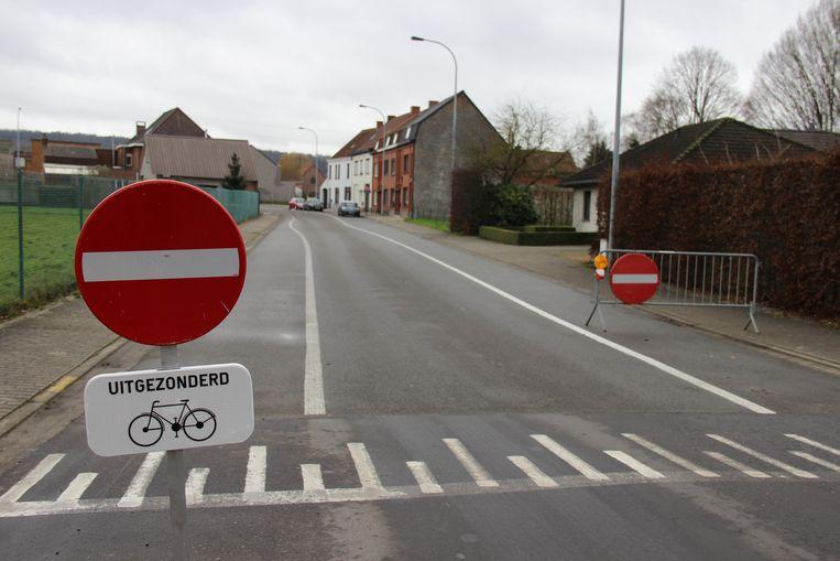 Veel bestuurders negeren het eenrichtingsverkeer in de Kapellestraat.