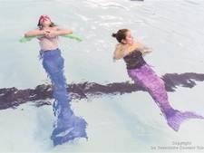 60 zeemeerminnen in het Twentebad Hengelo