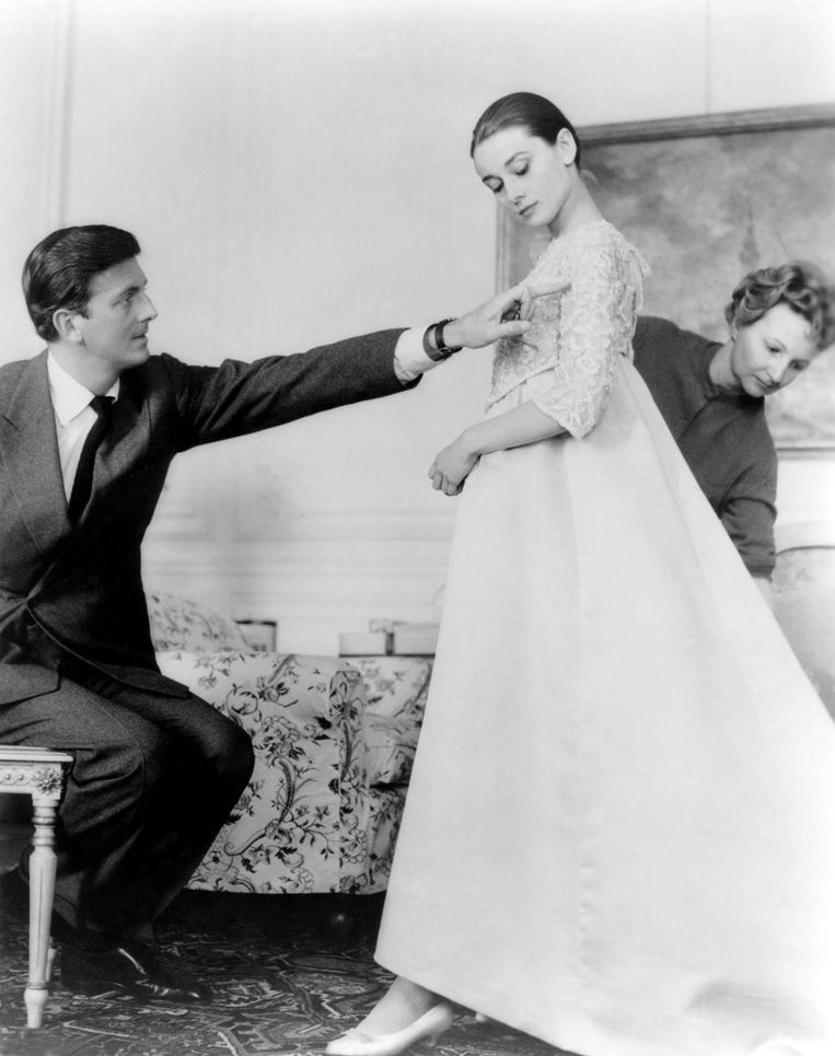 Hubert de Givenchy met zijn muze Audrey Hepburn Beeld Corbis via Getty Images