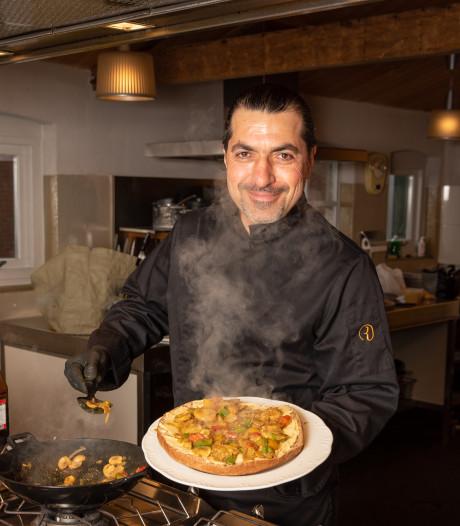 Door gerechten uit Syrië te koken voor Amersfoorters is gevluchte Zaher (46) toch een beetje in zijn moederland