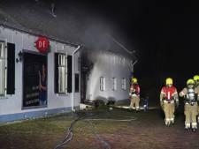Brand Capels restaurant Tante Toos lijkt aangestoken: 'Enorme steekvlam op camerabeelden'