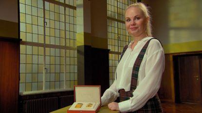 Lesley-Ann Poppe wil gouden aansteker en sigarenknipper verzilveren in 'Stukken van Mensen'