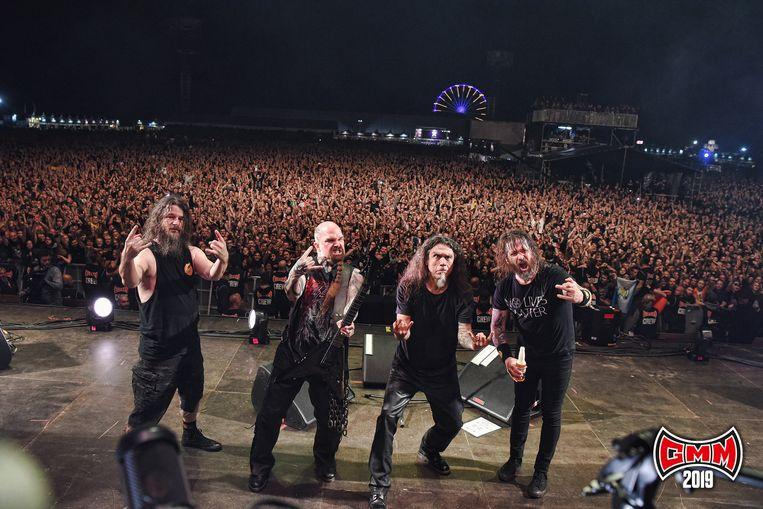 e eerste dag van de Graspop Metal Meeting was een feestje met uitstekend weer en een bonte verzameling van stijlen. Bij de headliners vond je de southern rock van oudgedienden Lynyrd Skynyrd, de symfonische metal van Within Temptation, de grunge van Stone Temple Pilots, de ijzige industrial black metal van Mysticum maar vooral de beenharde thrash van Slayer. De Amerikaanse iconen speelden hun allerlaatste concert in de Benelux met een welgemikte uppercut.