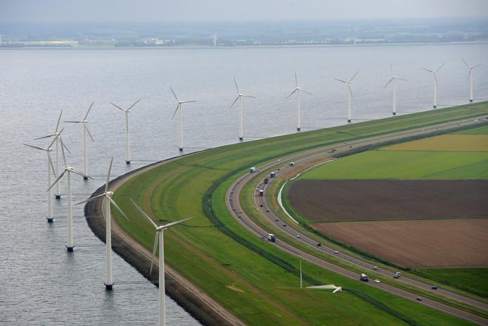 Windmolens in Flevoland bij Urk.