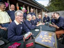 Vriendengroep uit Reutum viert 50 jaar vriendschap