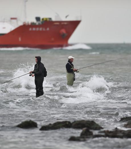 Beroepsvissers willen van hete adem sportvissers af