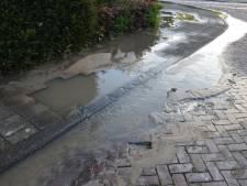 Gesprongen waterleiding zorgt voor overlast in Woerden