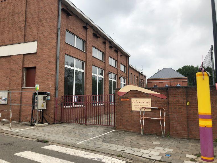 De werken aan het kloostergebouw van gemeenteschool De Boemerang in Meerbeek zouden in de zomervakantie afgerond moeten worden.