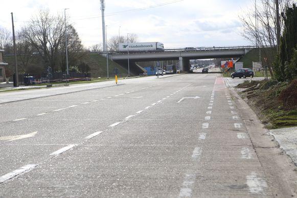 De rijbaan en het fietspad in de richting van Bekkevoort worden aangepast over een lengte van 200 meter.