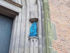 Onze Lieve Vrouwetoren in Amersfoort krijgt twee bronzen beelden van 55 cm hoog