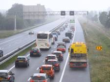 Pechgeval en werkzaamheden veroorzaken file op snelweg A28 bij 't Harde