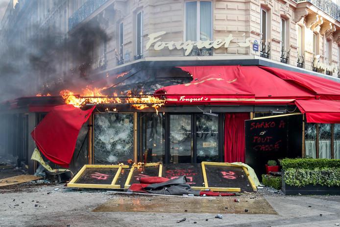Alles wat half maart tijdens rellen aan het restaurant werd verwoest, is hersteld.