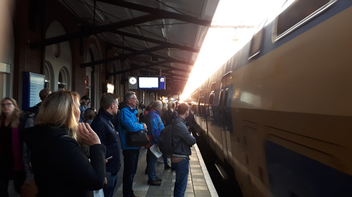 Sneltrein in station Dordrecht.