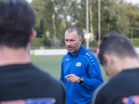 UNA en trainer Jeroen van Bezouwen na dit seizoen uit elkaar