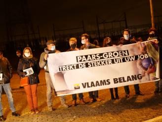 Vlaams Belang voert protestactie aan kerncentrale Doel tegen kernuitstap
