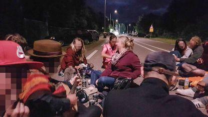 """Overlevenden getuigen één jaar na Pinkpop-drama: """"Iemand zei nog: we zitten hier wel op straat hè"""""""