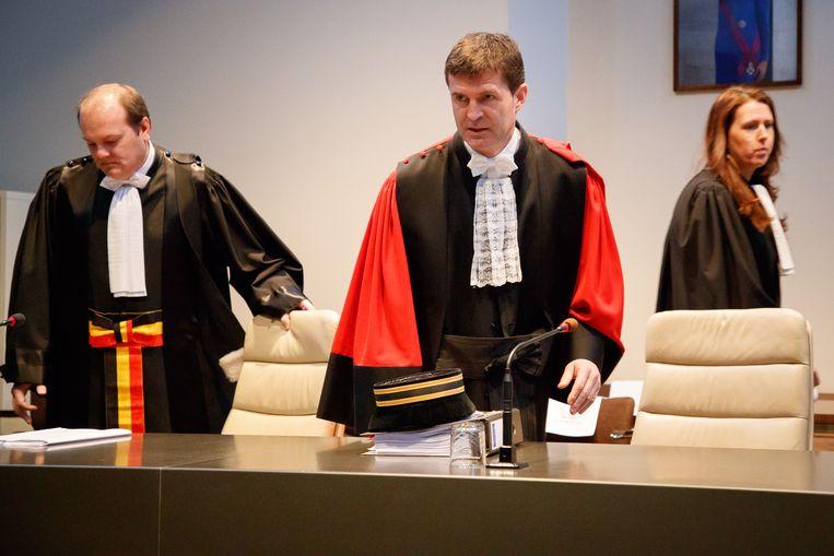 """Voorzitter Bart Meganck (midden): """"Moord en oudermoord zijn de zwaarste misdaden."""""""