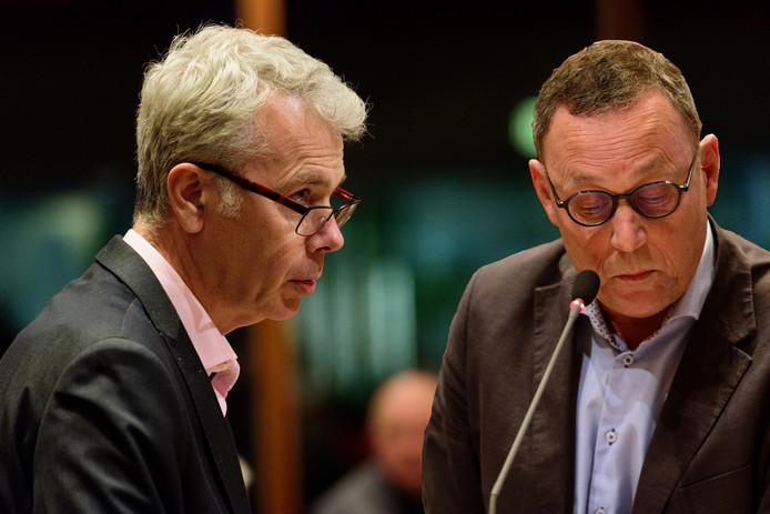 Wethouder Buijtelaar (links)en Stoelinga op een foto uit 2017.