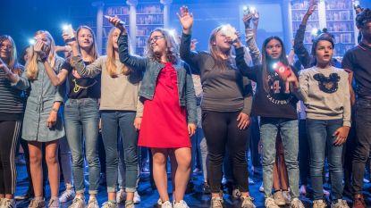 Leerlingen VISO tonen creatief talent tijdens Modespektakel