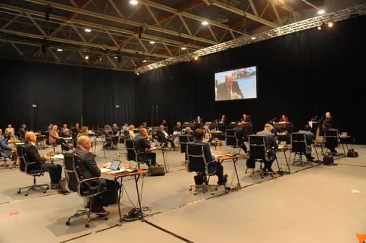 De Statenvergadering over het compensatiepakket voor de marinierskazerne in Studio A58 in Middelburg