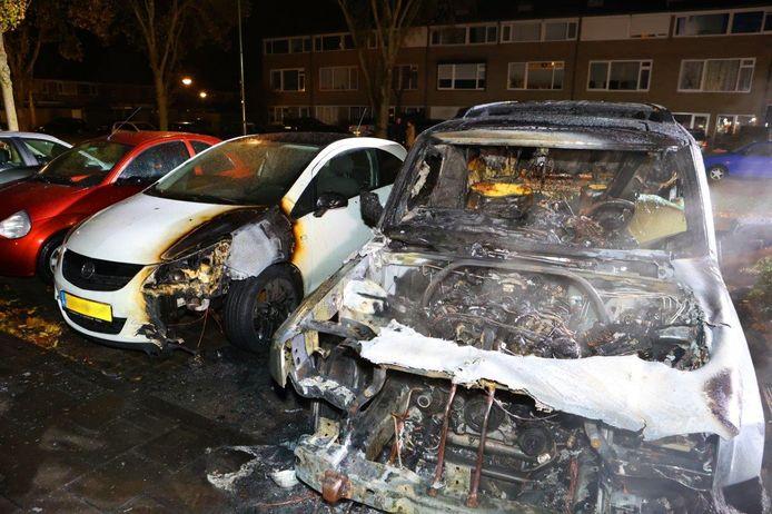 Twee auto's in brand in Sint-Michielsgestel.
