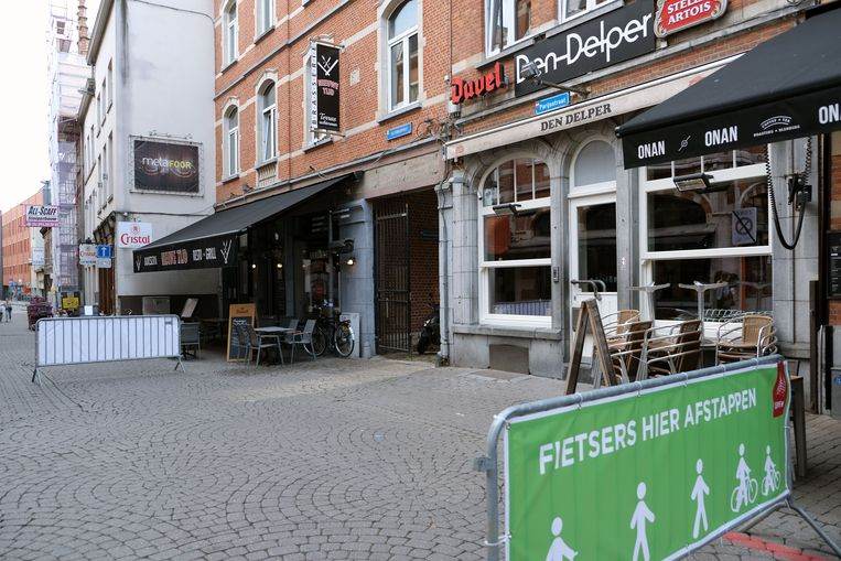 Den Delper in de Parijsstraat heropent niet meer. De toekomst van de zaak is nog onduidelijk.