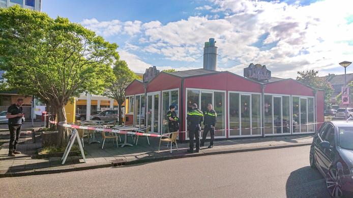 De omstanders overmeesterden de twee overvallers bij snackbar Lelyhof in Lelystad.
