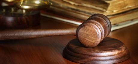 Zelfverklaard hulpverlener krijgt ook van hof cel voor ontucht