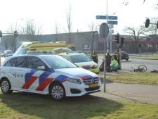 Fietser gewond na botsing met motor in Apeldoorn