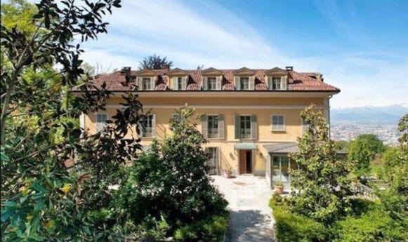 De villa in Turijn waar Ronaldo zijn intrek in heeft genomen.
