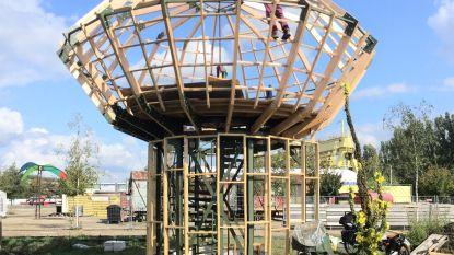 Atelier Recup bouwt 'Droomhut' voor Antwerpse jeugd in Spoor Oost