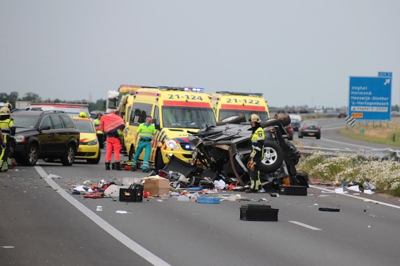De ravage op de A50 door het ongeval