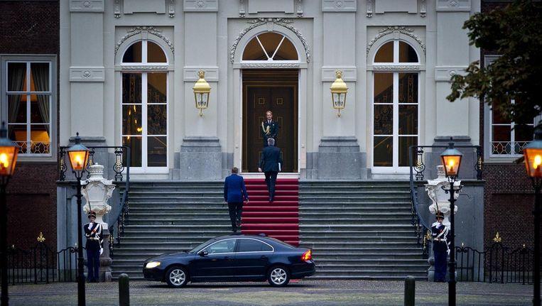 Informateur Ivo Opstelten arriveert bij Paleis Huis ten Bosch. © ANP Beeld
