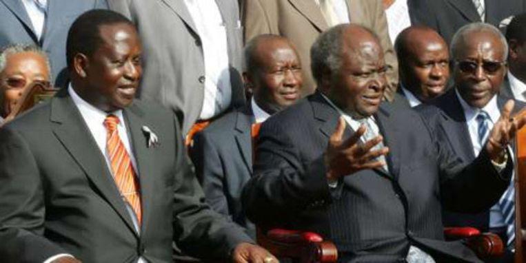 Eerste minister Raila Odinga (links) en president Mwai Kibaki.