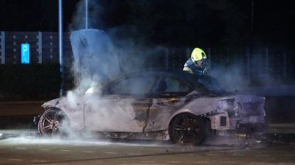 Parket start onderzoek naar uitgebrande BMW