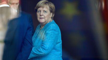 """Lof, zorgen en kritiek na Merkels beslissing: """"Haar afscheid luidt periode van instabiliteit in en dat is slecht nieuws voor Duitsland én Europa"""""""